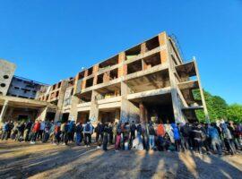 Iz napuštenog objekta bivšeg Doma penzionera na području grada Bihaća izmještena 242 migranta