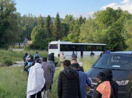Izmješteno 62 migranata sa četiri lokacije na području grada Bihaća